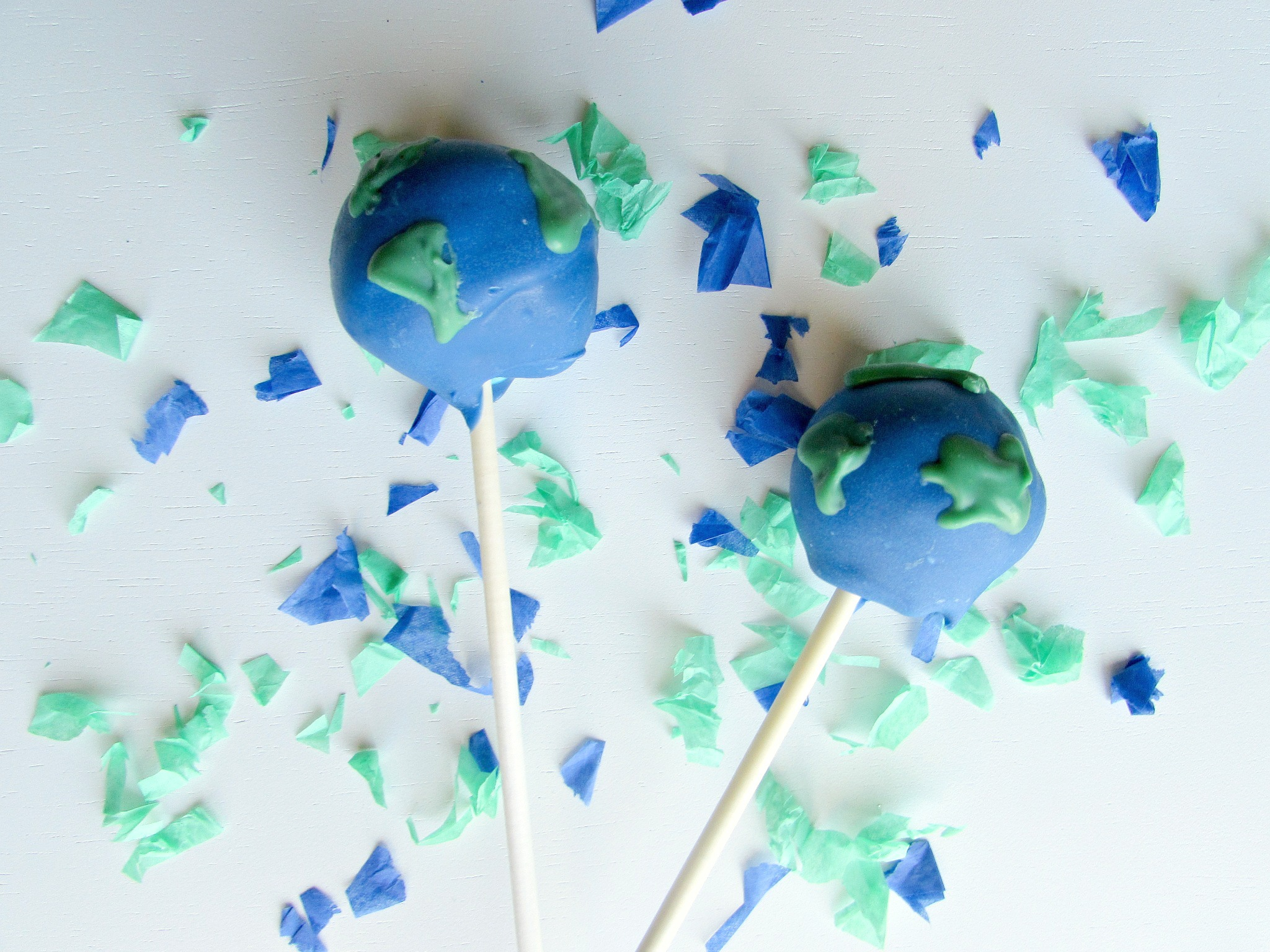 cake pops shaped like the Earth