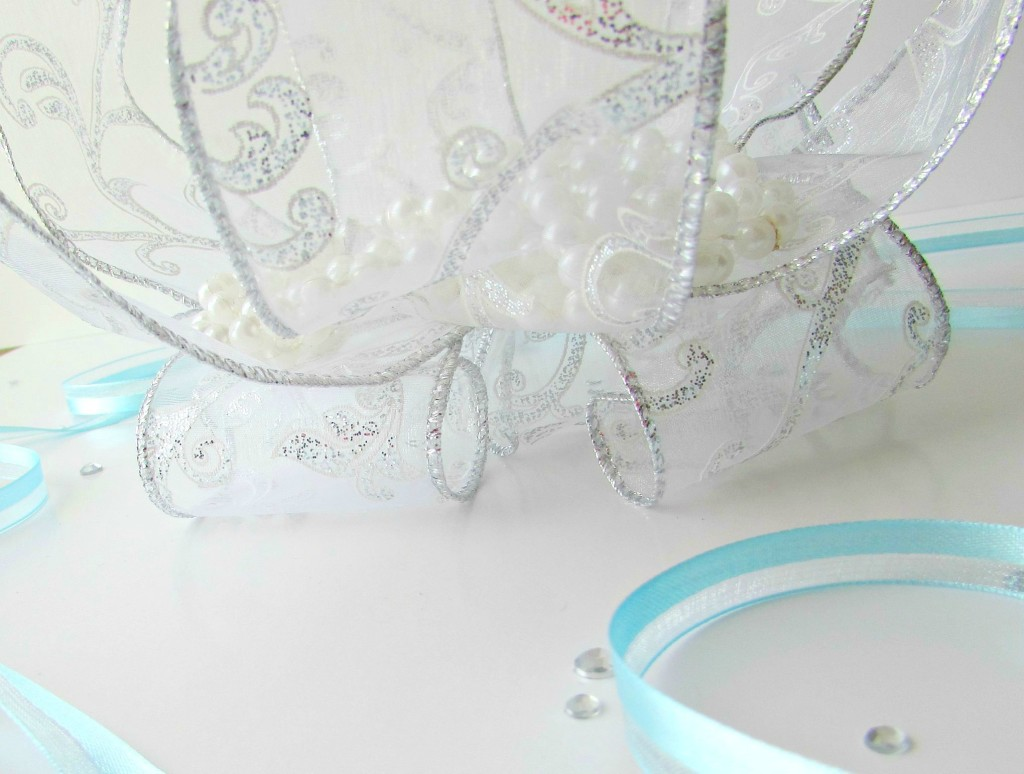ribbon Cinderella centerpiece