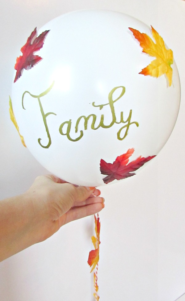 Show what you are thankful for with a thankful balloon, cute for pictures