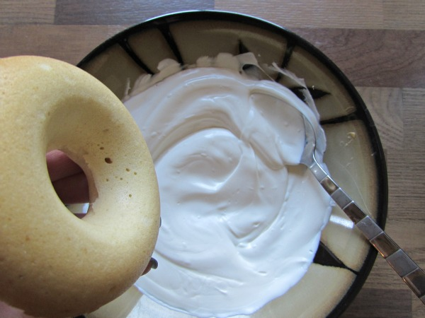 dip plain donut in white chocolate melts