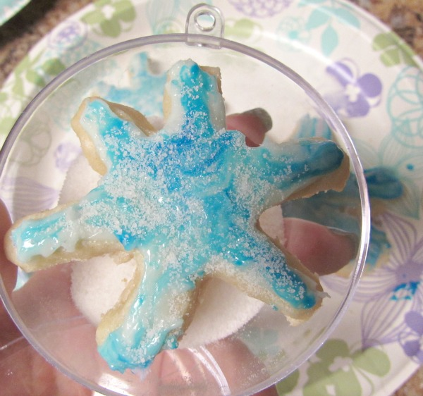 put snowflake cookie inside