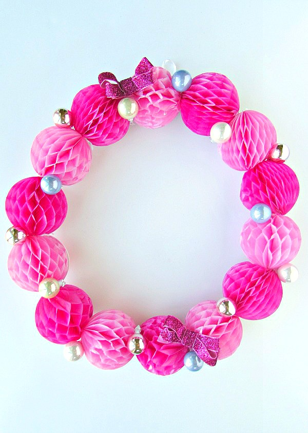 Wreath with honeycomb and bows