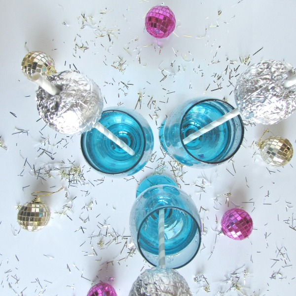 celebrate the New Year with Ball Drop Straws