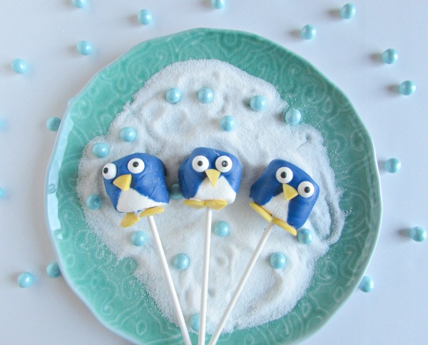 penguin marshmallow pops