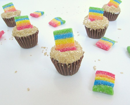 mini pot of gold rainbow candy