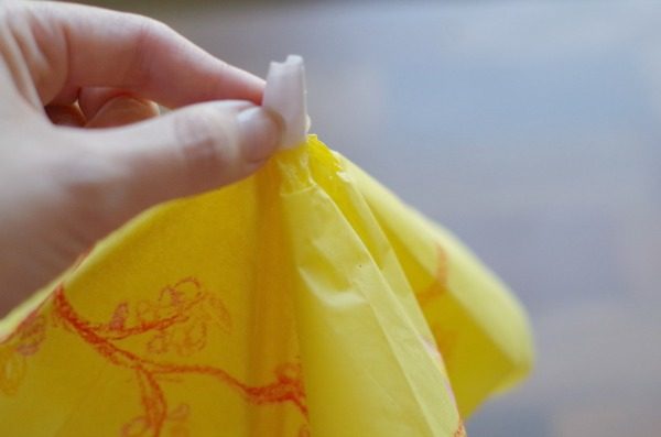 wrap tissue paper
