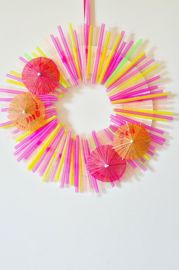 Straw summer wreath