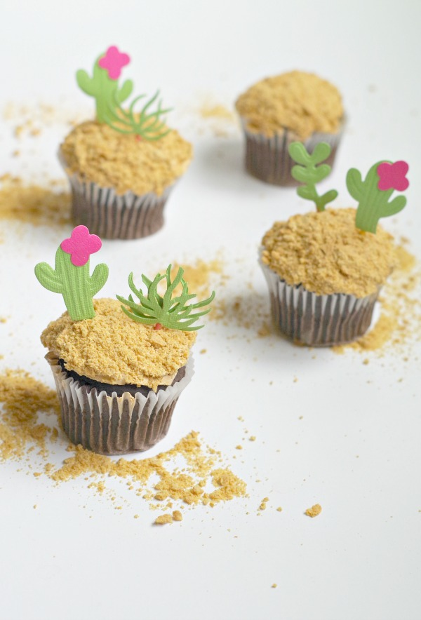 simple cactus garden cupcakes