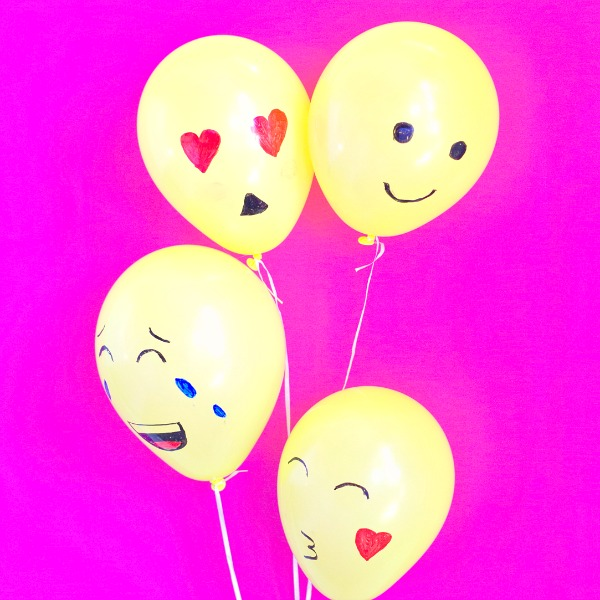 Fun and easy emoji balloons