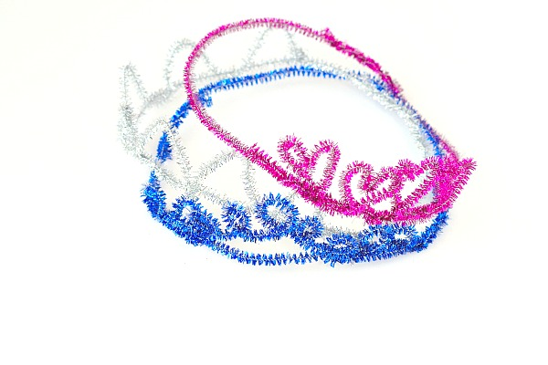 pipe cleaner crowns with different designs