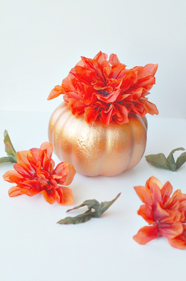 pumpkin centerpiece for fall