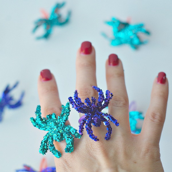 shiny blingy diy sparkle spider rings