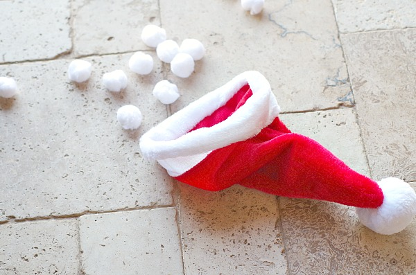 Santa Hat Snowball Christmas Game