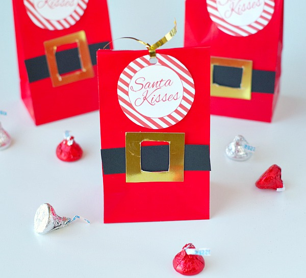 Santa kisses gift bag