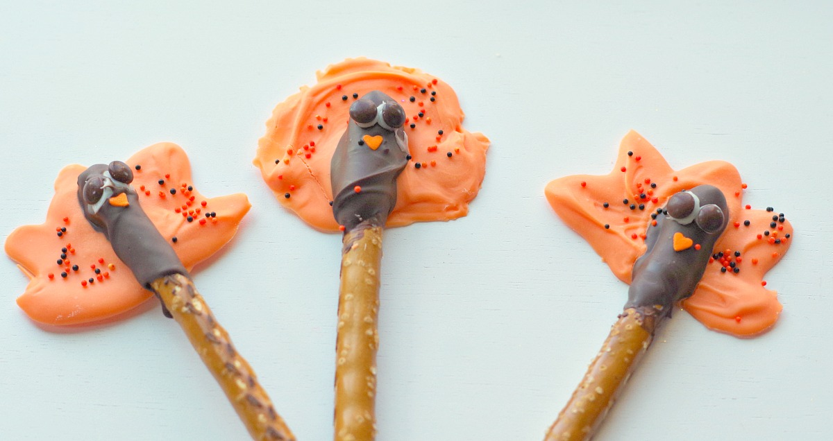 turkey pretzel pops