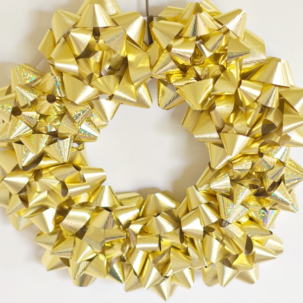 shiny Christmas bow wreath
