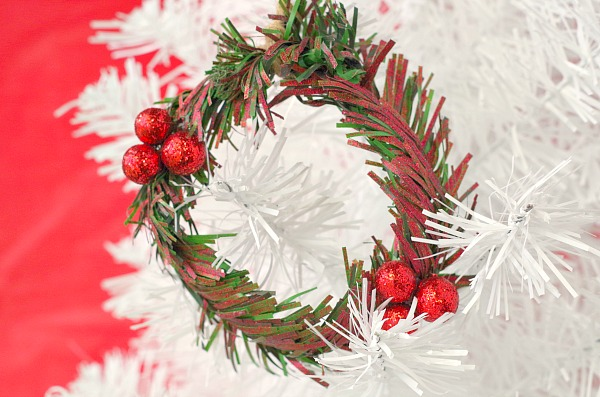 Cute mini wreath ornaments