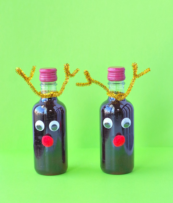Reindeer wine bottle gifts