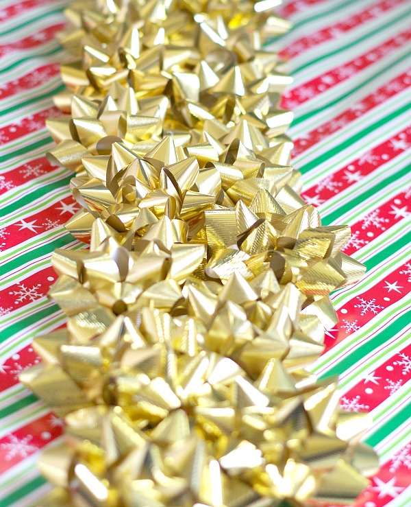 Christmas bow table runner