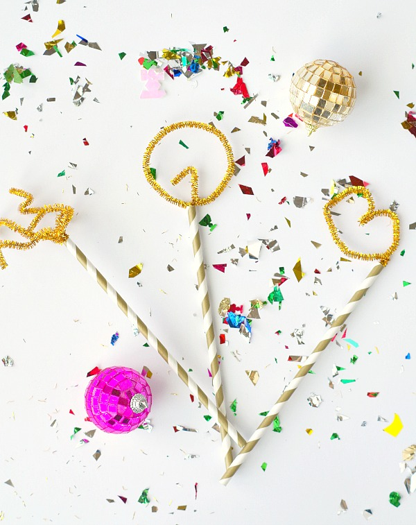 New Years DIY Pipe Cleaner Photo Props
