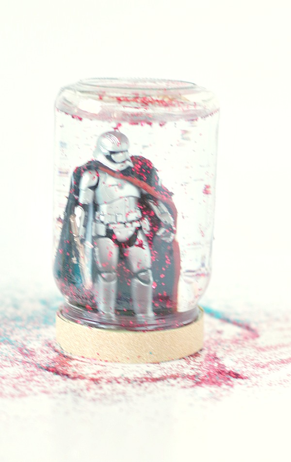 Star Wars toy snow globe