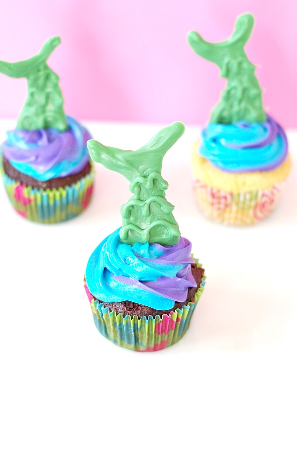 Mermaid Tail Cupcakes for Mermaids little and big!