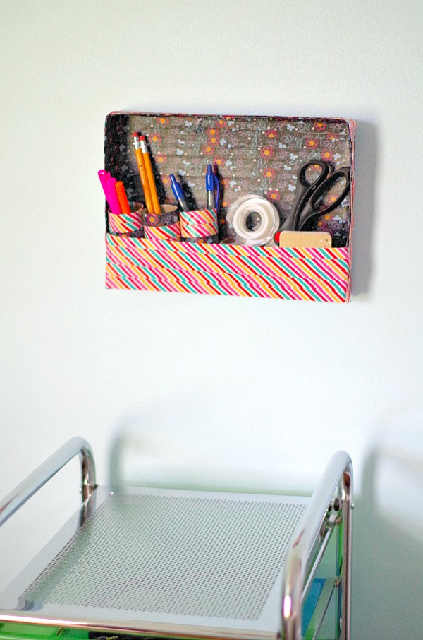 Hang school supplies on the wall with this easy diy organizer!