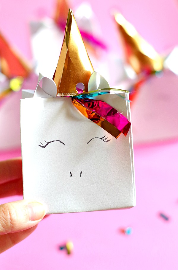 Adorable DIY Unicorn Favor Bag