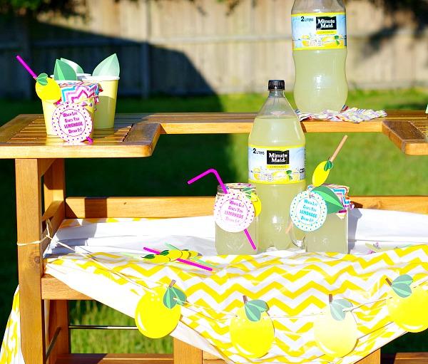 Lemonade Stand with Adorable Lemon Printables