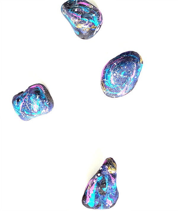 Gorgeous DIY Galaxy Rocks